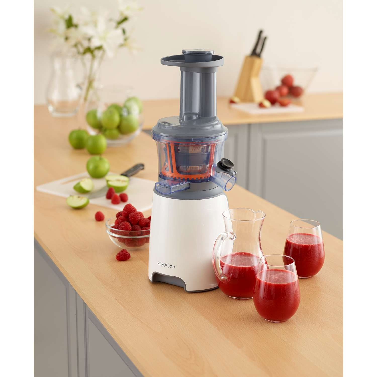 Review Of Kenwood Pure Juice Slow Juicer : Kenwood JMP601WH 1 Litre Pure Juice Slow Press Juicer in White eBay
