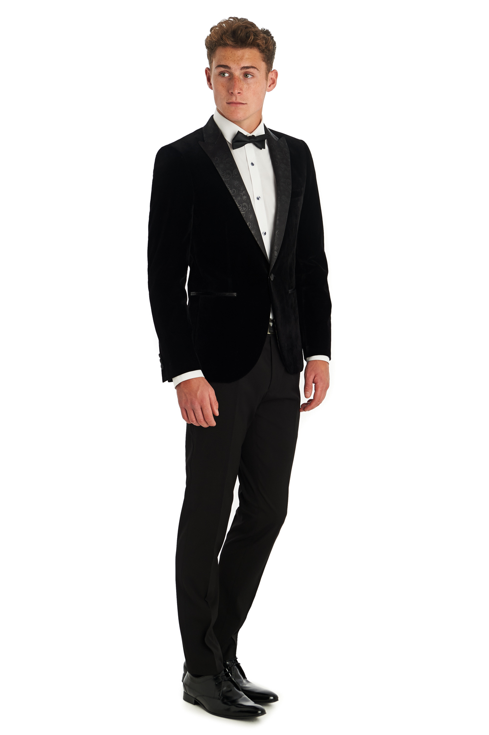 Men's Velvet Sport Coat & Velvet Sport Jacket A well-crafted blazer can easily take you from a business meeting to a date to a night out with your friends, and the men's velvet blazer has established an excellent reputation.