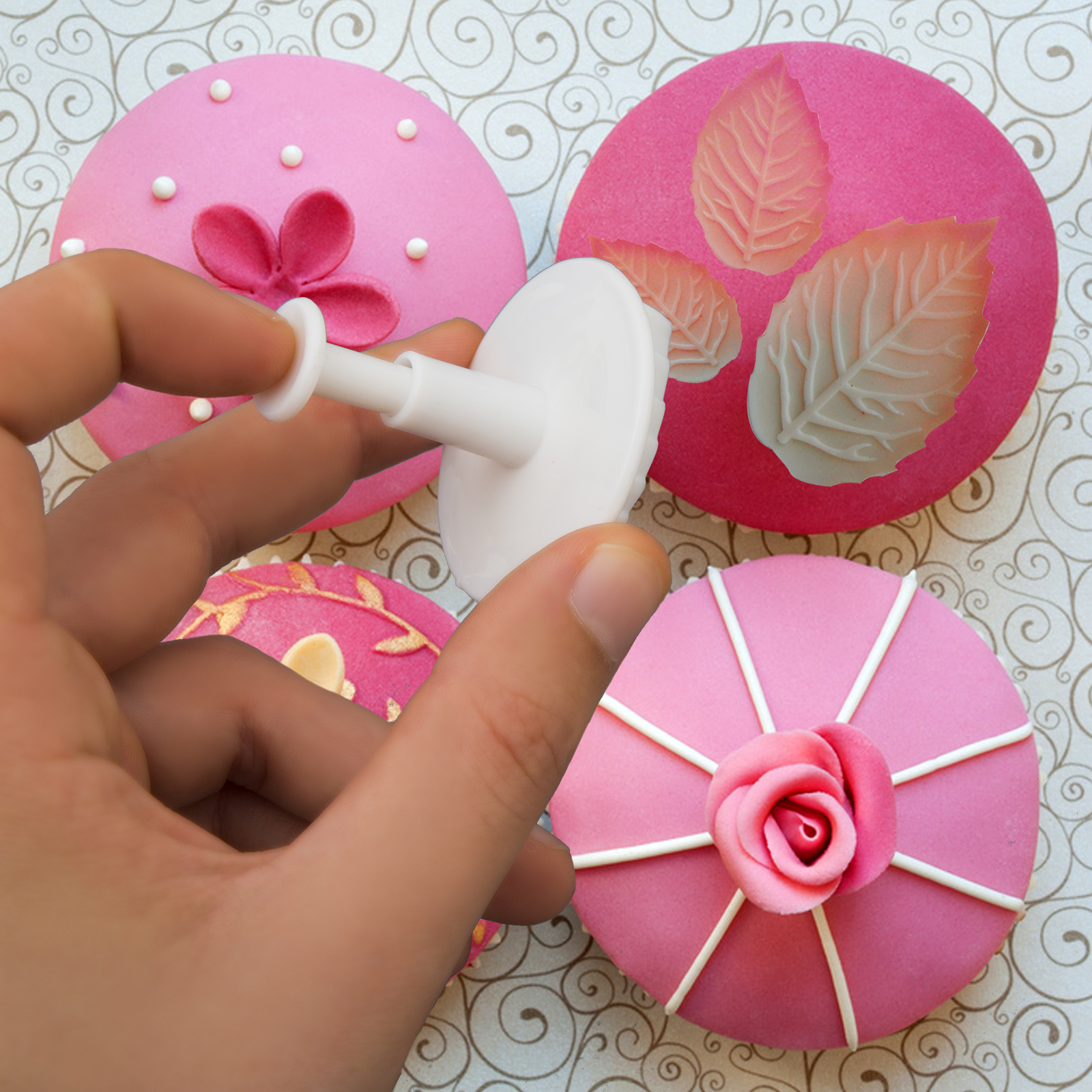 Butterfly Cake Decoration Uk : Hillys Kitchen Fondant Plunger Cutters, Butterfly & Leaf ...