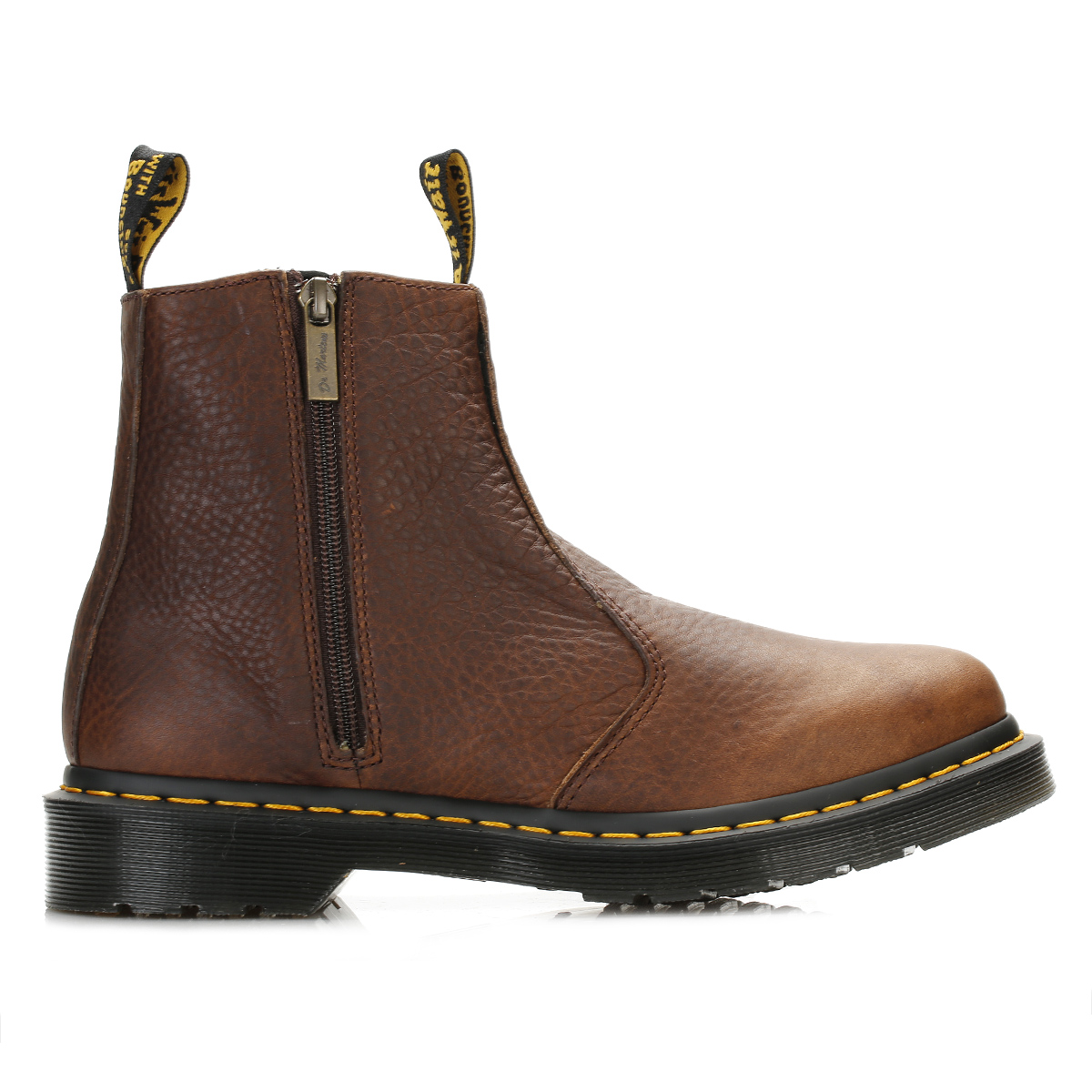 Barratts shoes is modern all in one price comparison and review site for shoes. With the best deals on the web. We have a fabulous collection of shoes showcasing the latest on trend shoes for each and every season, along with everyday shoe cupboard essentials.