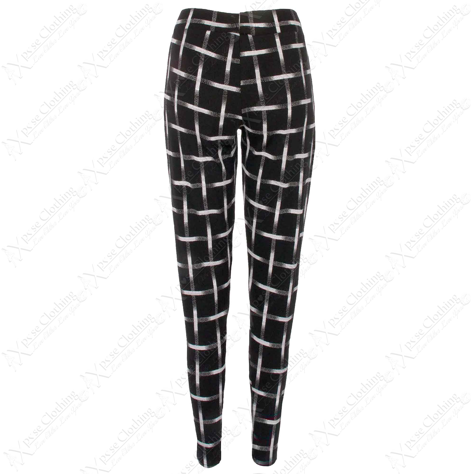 Check out New Look's latest women's trousers for chic culottes, flared trousers and more summer trousers styles. Free delivery available on all pants for women.