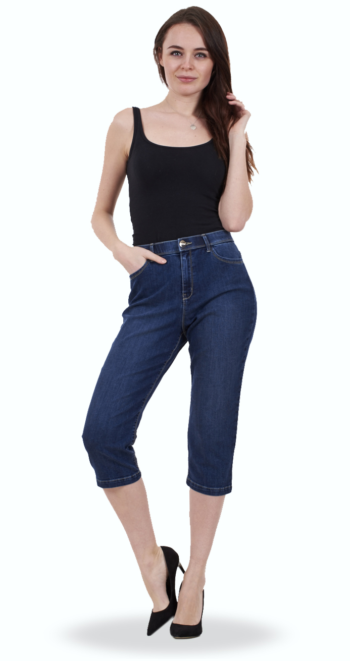 Elastic closure,cropped trousers,two pockets on both sides,stylish,elegat.。 Fashion,comfortable,cool casual pants fits for girls,teens,juniors,ladies. Comfortable and easy to wear,these lightweight chambray capri pants feature an elastic drawstring waist/5(9).
