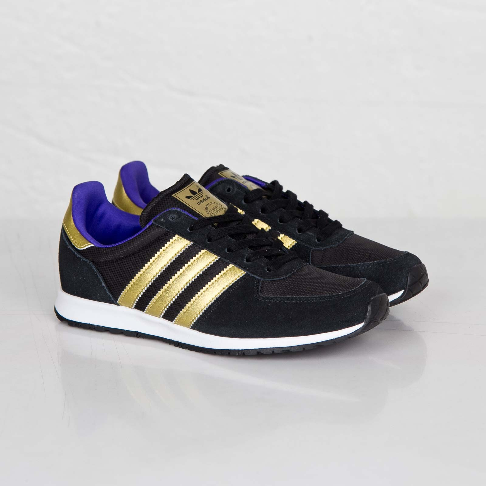 adidas originals adistar racer womens black gold retro. Black Bedroom Furniture Sets. Home Design Ideas