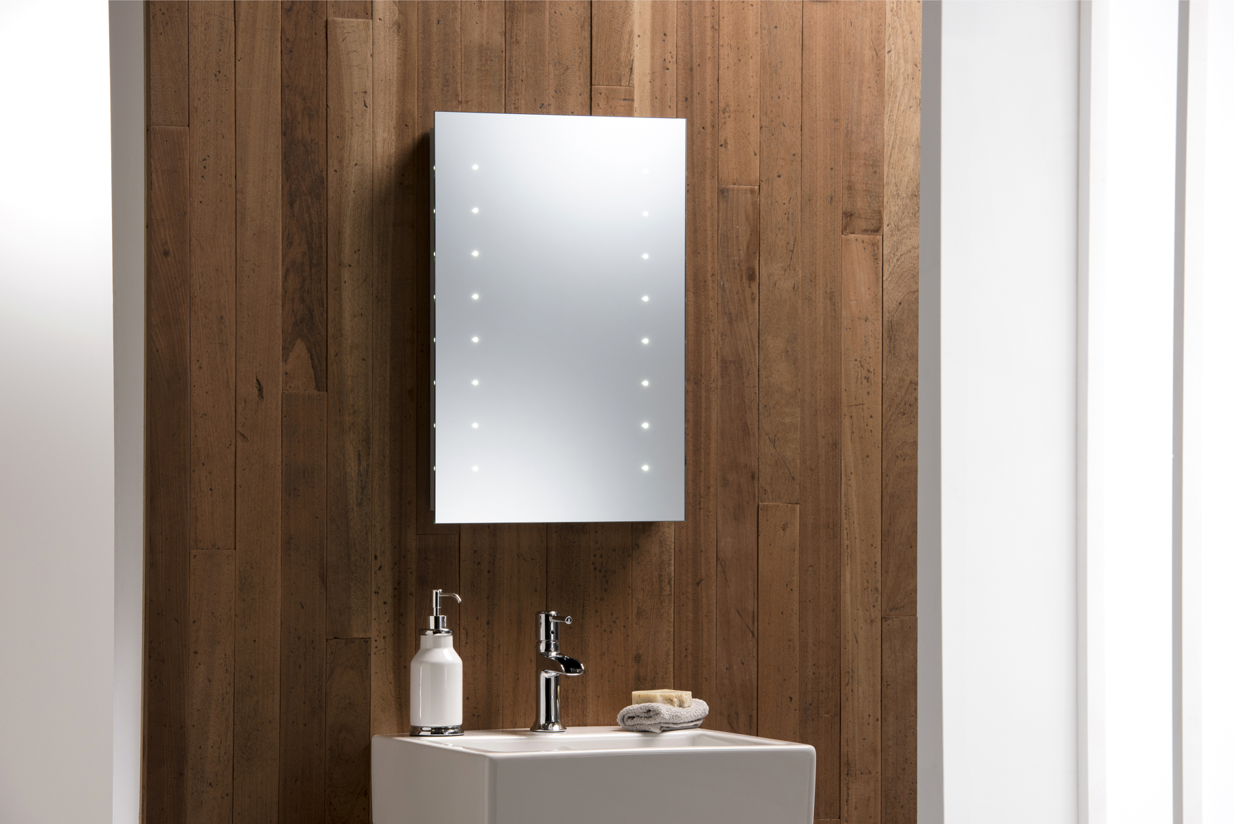 Stunning led bathroom mirror battery illuminated 60 x 40 easy installation ebay Neue design bathroom mirror