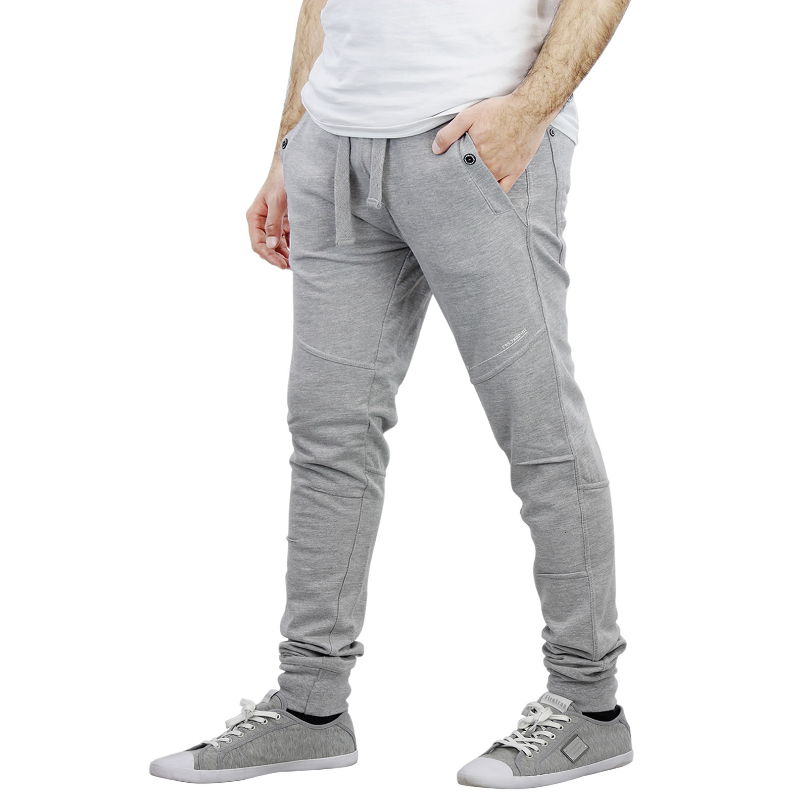 The Lingham joggers blend the casualness of tracksuit bottoms with the stylish fit of your favourite skinny jeans. Whether you're heading out for a run, facing a day of lectures or just popping to the shops these easy-to-wear essentials will keep you looking cool and feeling comfortable.