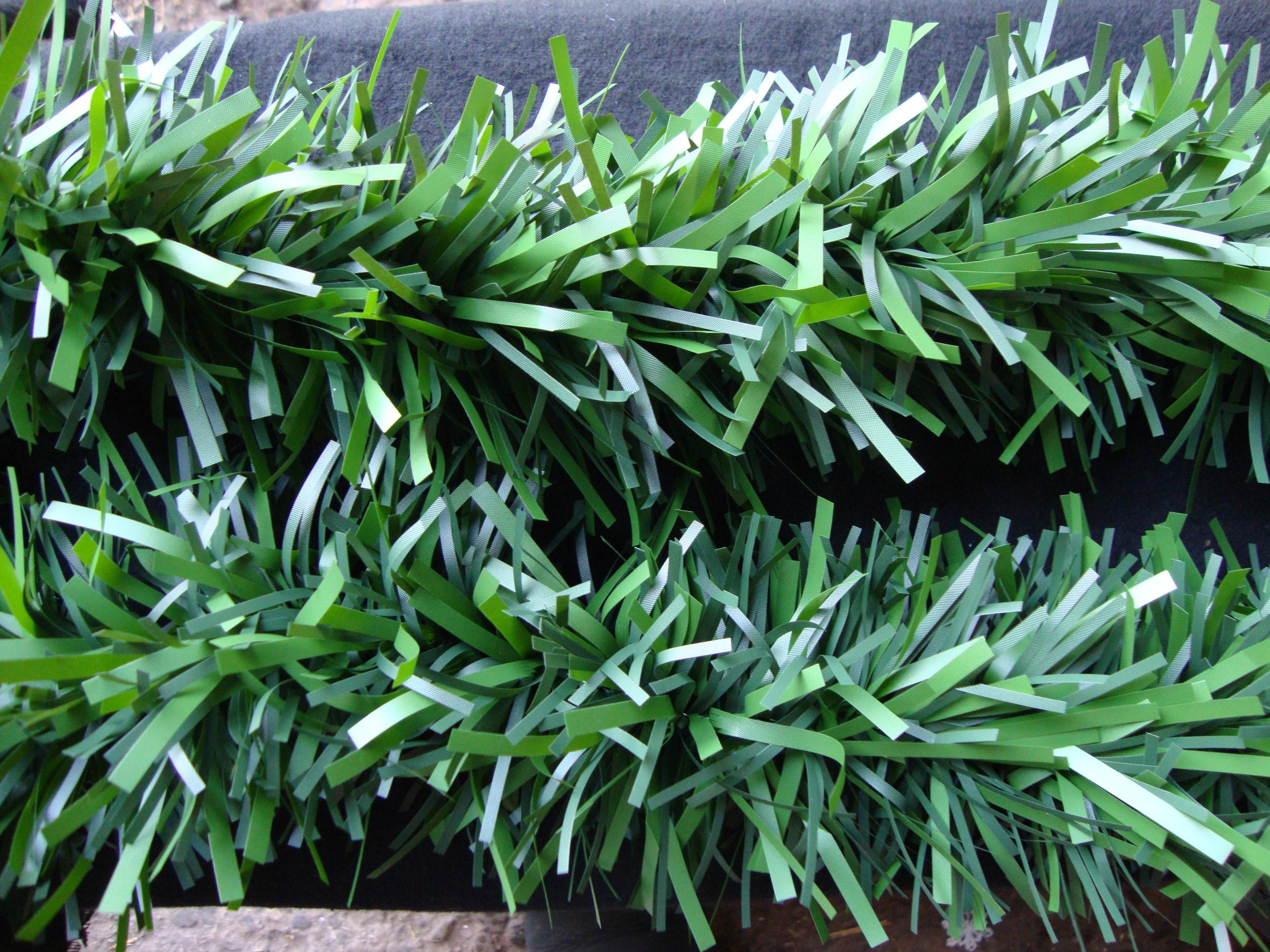 Metre long chunky natural look green tinsel decorating