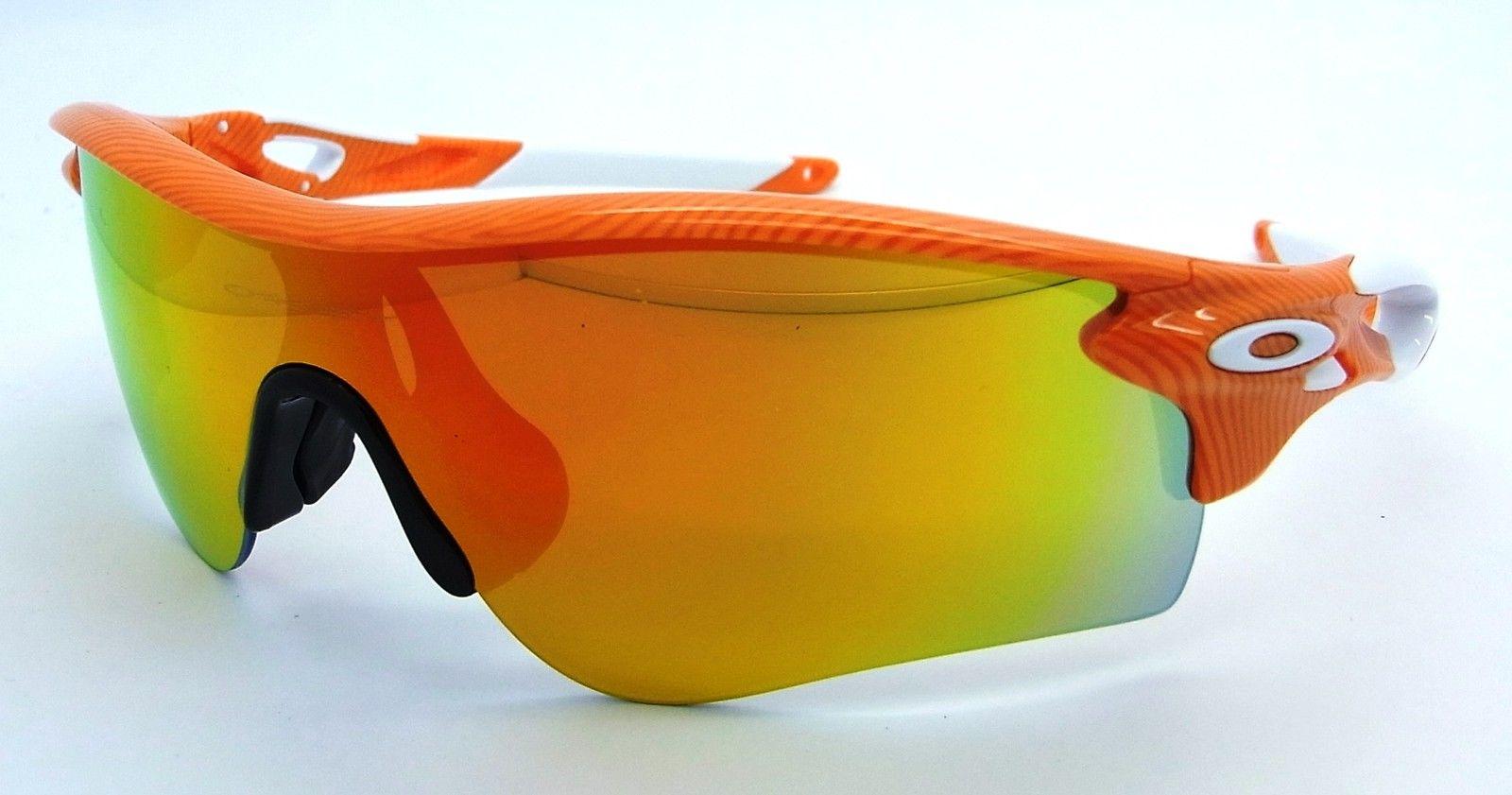 oakley radarlock path lunettes de soleil empreintes digitales orange w feu noir. Black Bedroom Furniture Sets. Home Design Ideas