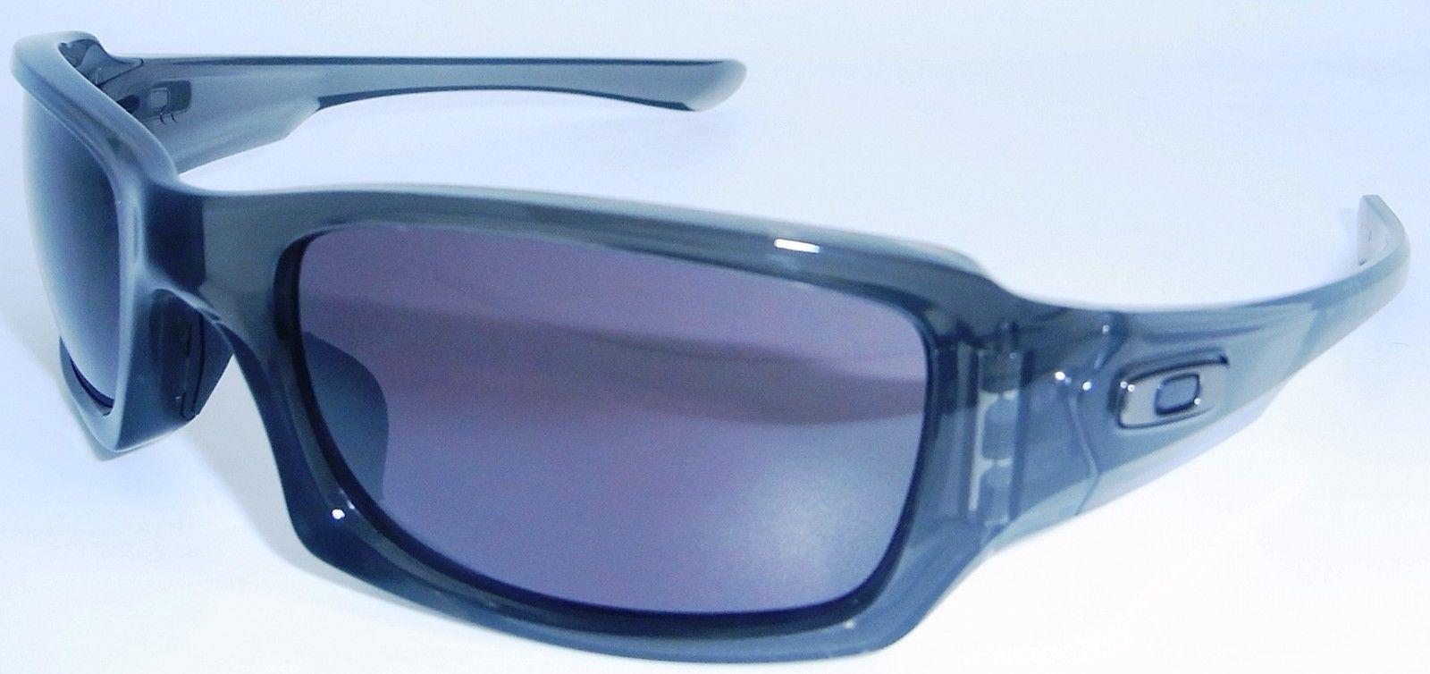 oakley fives squared sunglasses grey smoke w warm grey 9238 05. Black Bedroom Furniture Sets. Home Design Ideas