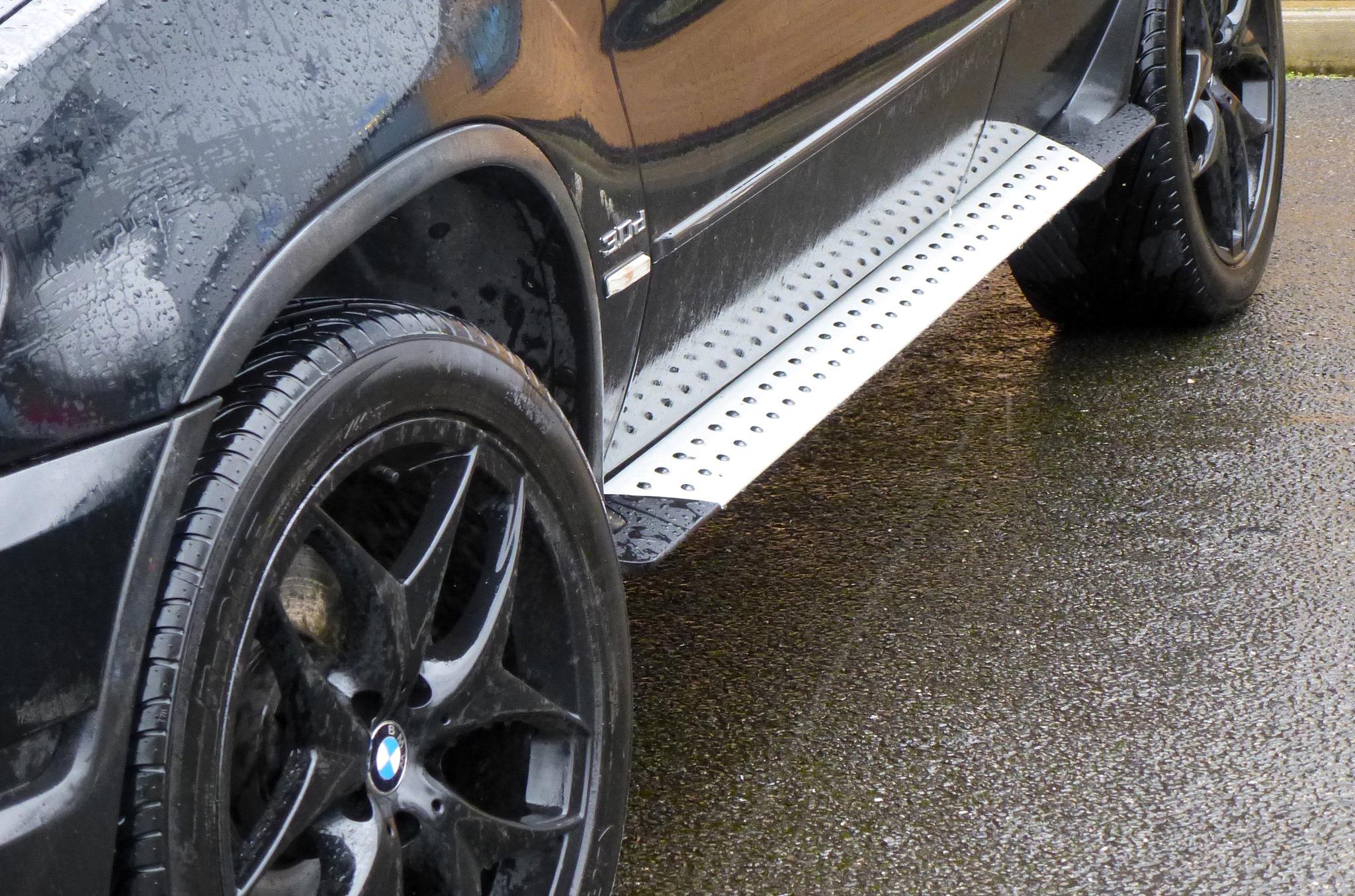 Bmw X5 E53 00 06 Brushed Aluminium Side Steps Bars Running
