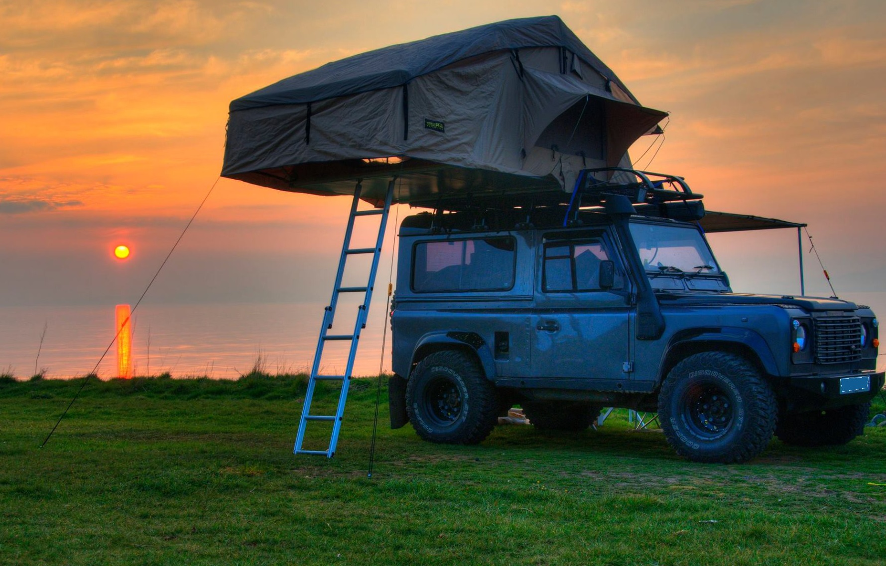 Land Rover Defender 90 Amp 110 Expedition Roof Tent With