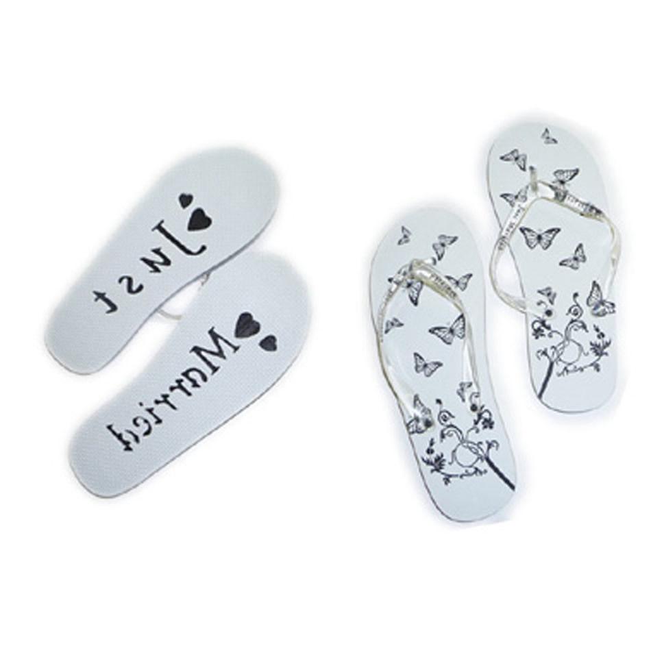 just married flip flops in womens mens perfect wedding. Black Bedroom Furniture Sets. Home Design Ideas