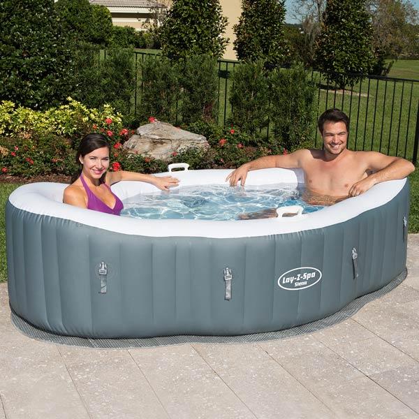 Bestway lay z spa siena portable inflatable hot tub for Spa hinchable intex