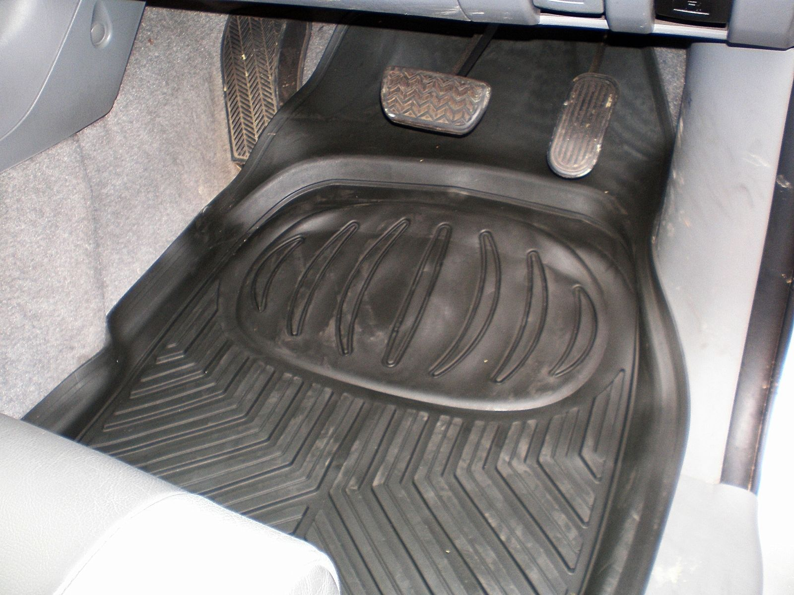 Toyota Hilux Deep Tray Rubber Floor Mud Mats Set Of 4