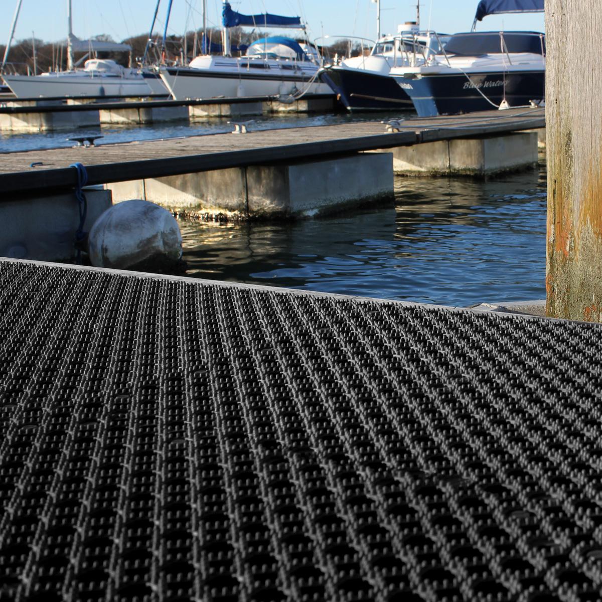Interlocking Floor Tiles Outdoor Pvc Flooring Wet Non Slip
