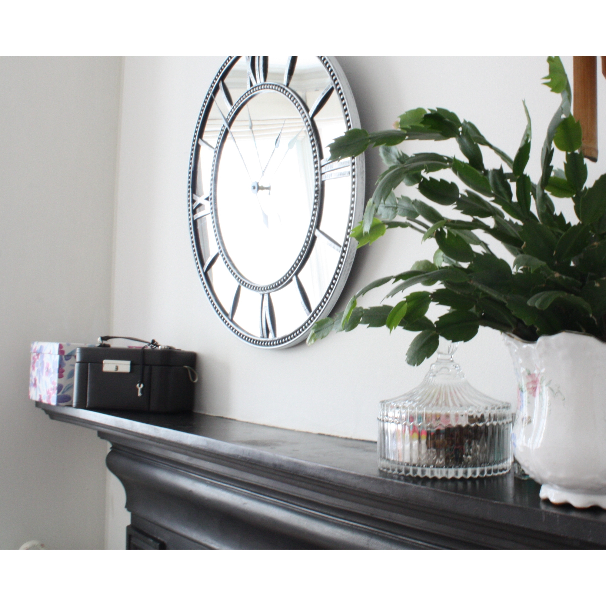 Roman Numeral Mirrored Glass Clock Blendboutique