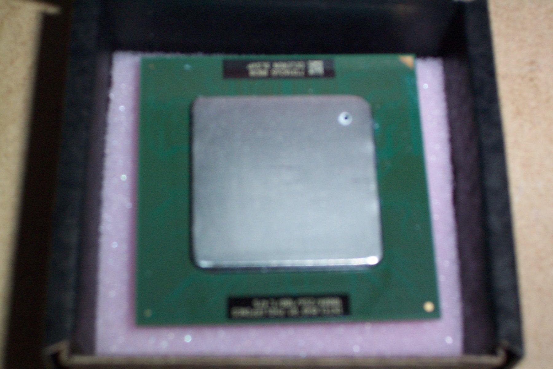 Intel SL5VP Celeron 1000A Socket 370 Processor - 100MHz Bus Speed, 256KB L2