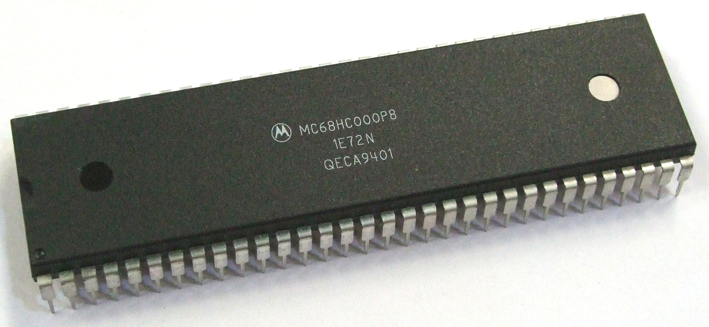 Motorola MC68HC000P8 8MHz 68000 Series 64-pin Plastic DIP Processor