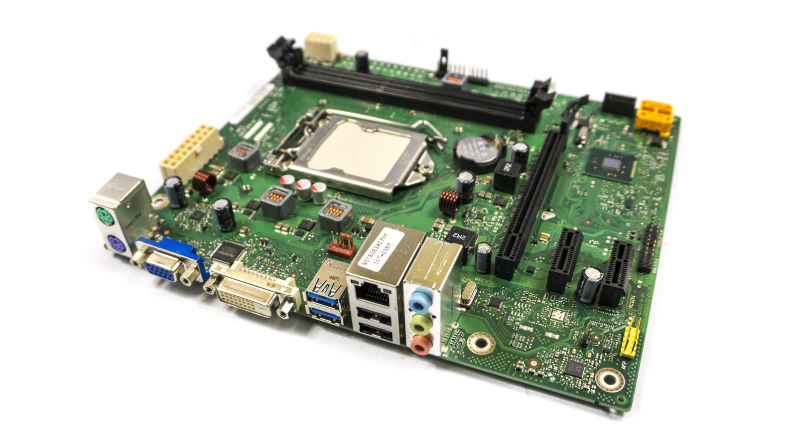 Fujitsu D3230-A13 GS 2 Socket LGA1150 PC Motherboard