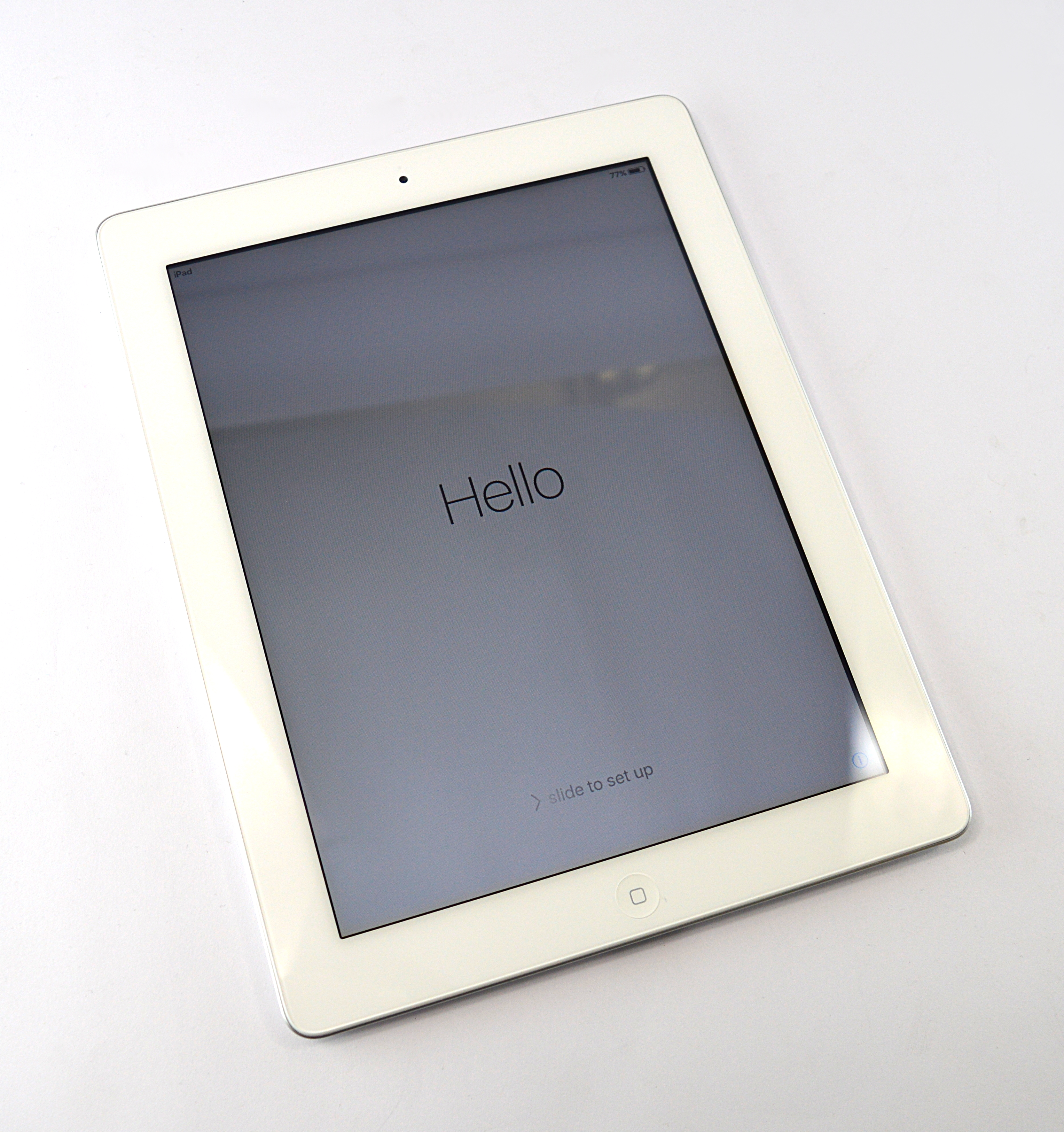 "Apple iPad 2 (Wi-Fi Only) A1395 EMC 2415 1GHz Apple A5 512MB RAM 16GB 9.7"" White"