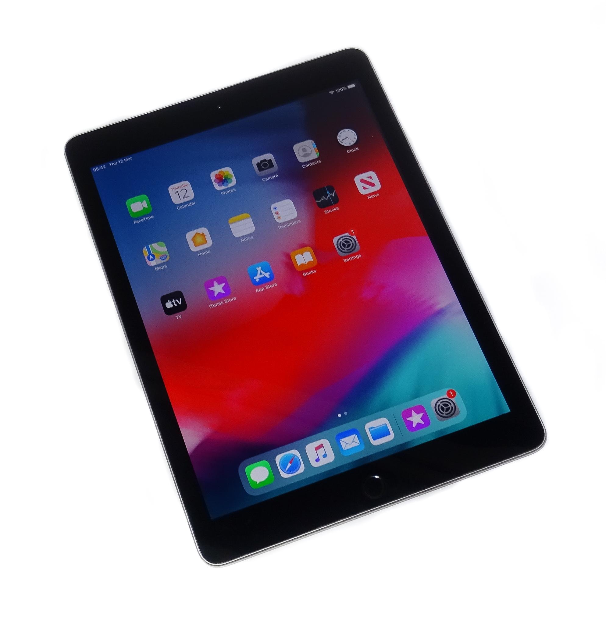 Apple iPad 5th Gen. A1822 - 32GB / WiFi / Space Grey