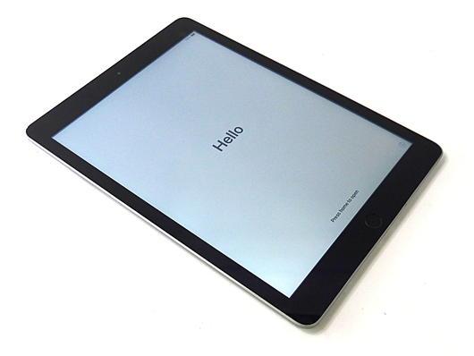 Apple iPad 5th Gen. A1822 - 128GB / WiFi / Space Grey / No Touch ID / Grade B