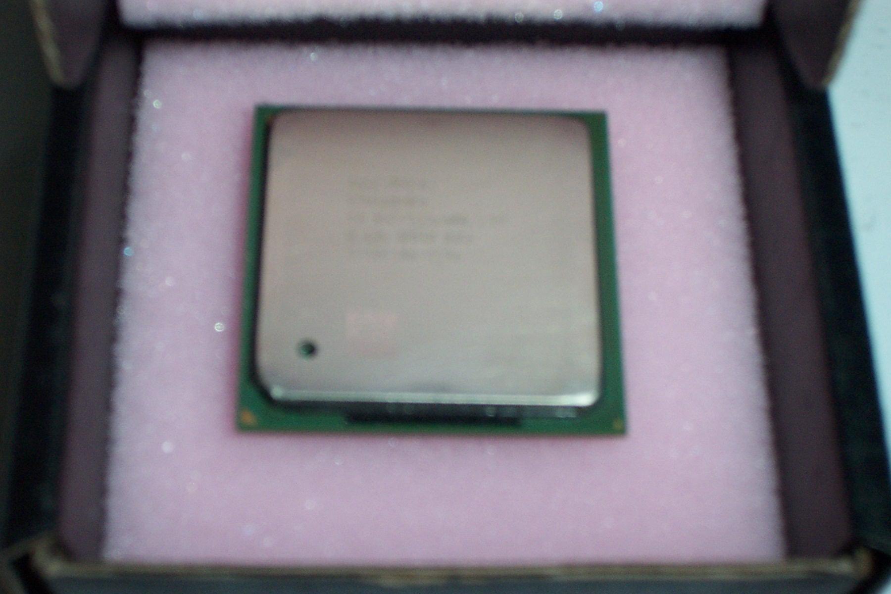Intel SL68R Pentium 4 2GHz 400MHz 512KB Socket 478 Processor