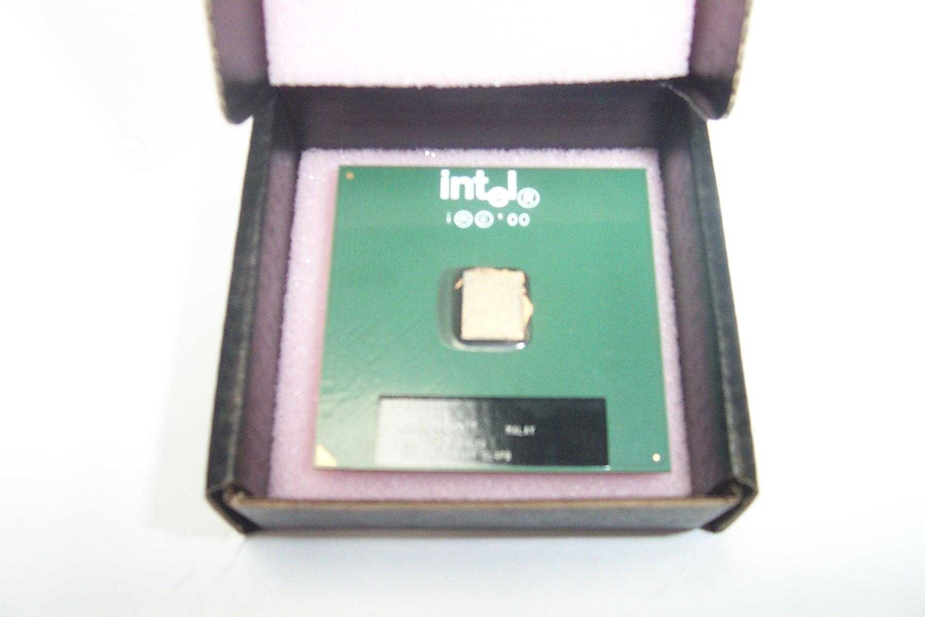 Intel SL4PB Celeron 600MHz Socket 370 Processor