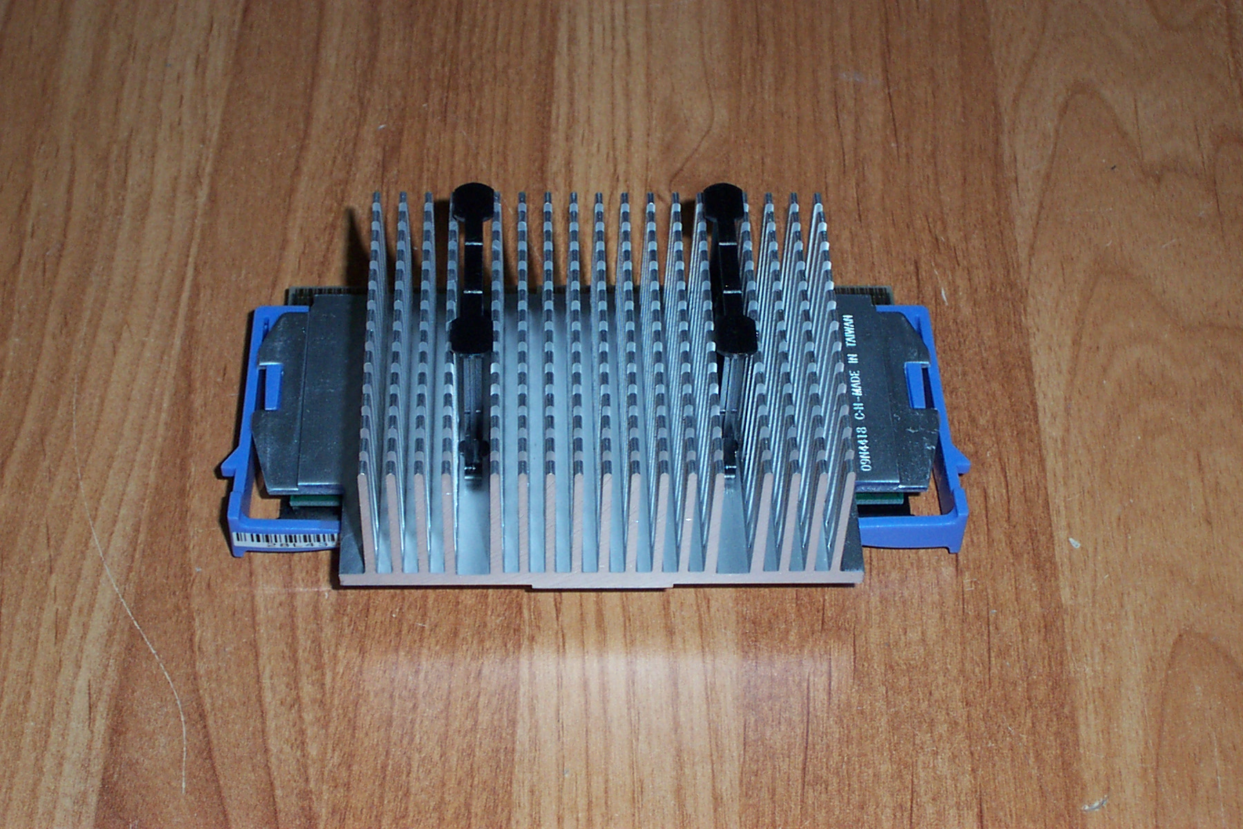 IBM 00N3622 Pentium 3 667MHz Slot 1 Processor with Heatsink