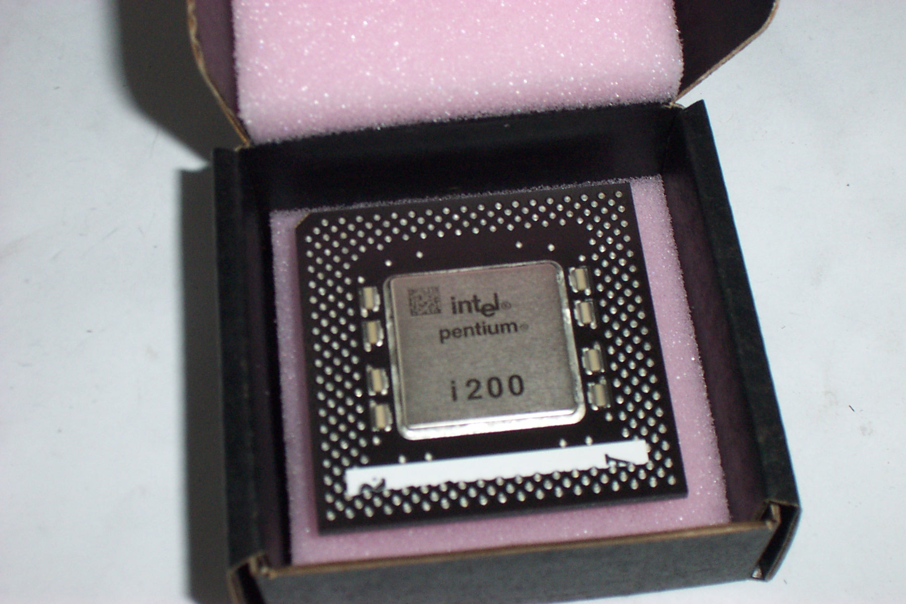 INTEL SY044 P1 200MHZ i200 CPU