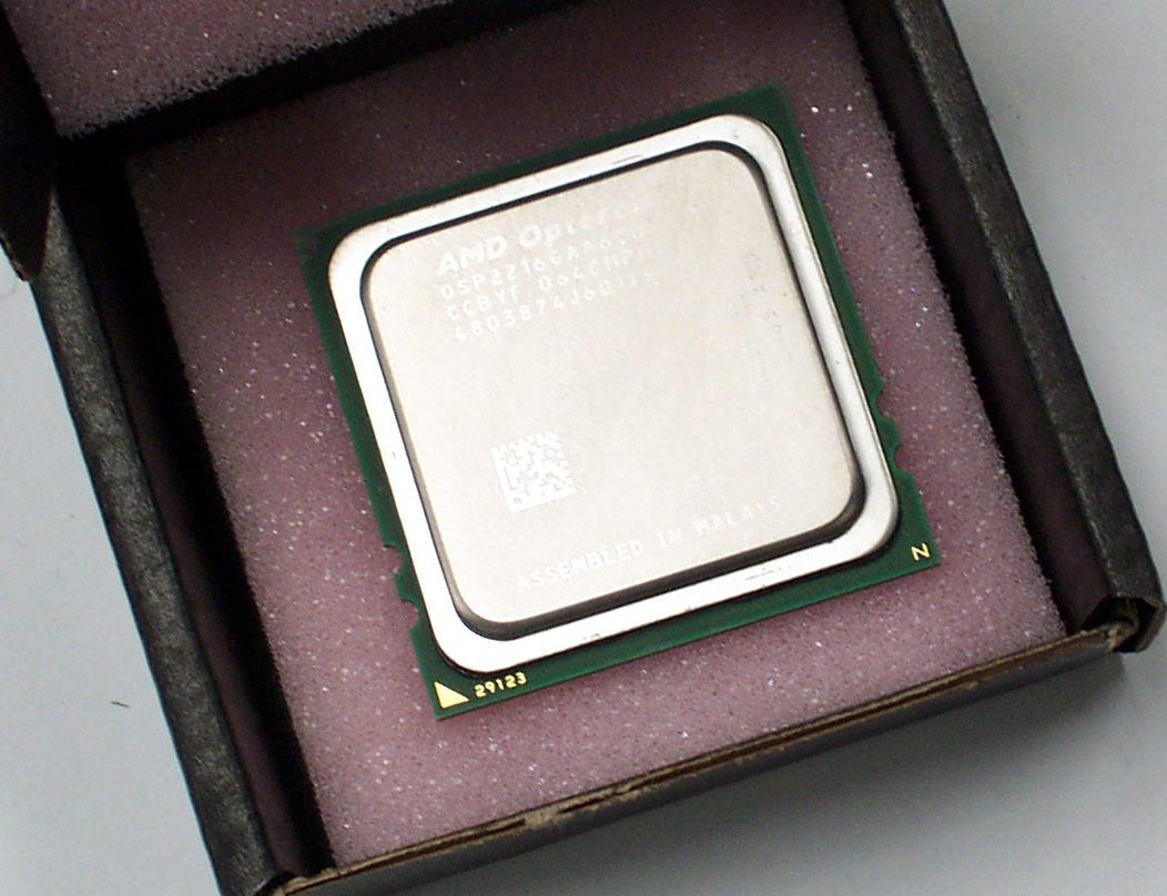 AMD OSP2216GAA6CQ Opteron 2216 HE 2.4GHz Socket F Processor CPU