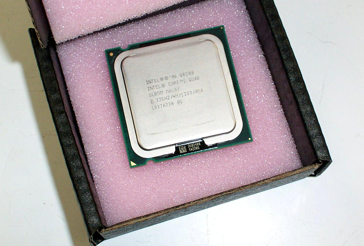 SLB5M Intel Core 2 Quad Core Q8200 2.33GHz / 4M / 1333 / 05A LGA 775 Processor