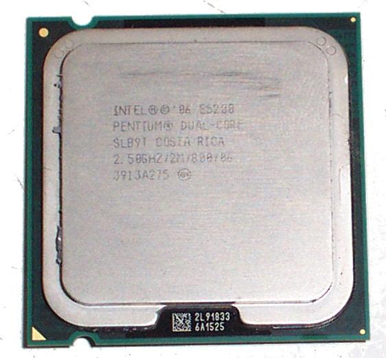 Intel SLB9T Pentium Dual-Core E5200 2.50GHz 2MB 800MHz Socket 775 Processor