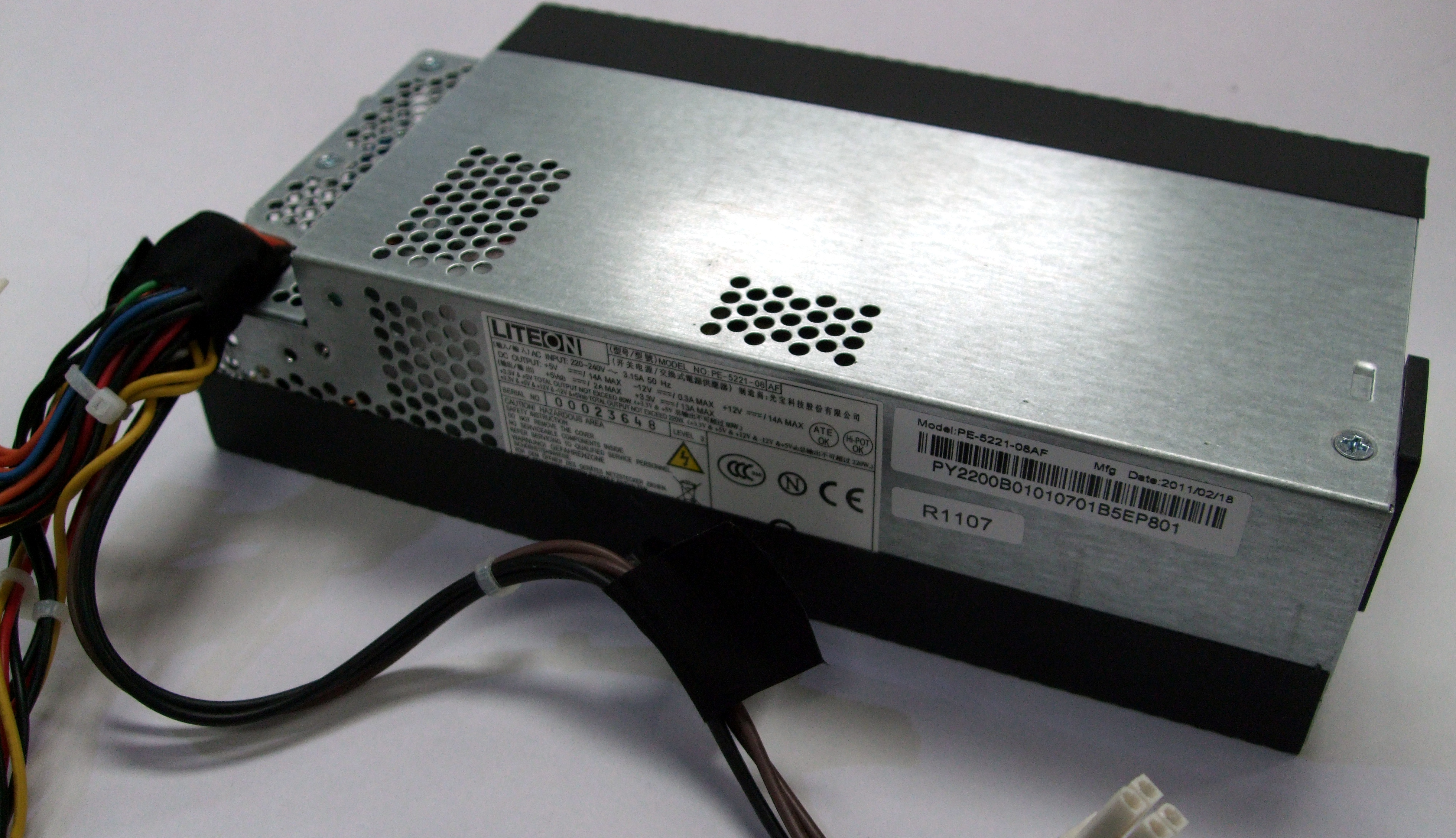 Liteon PE-5221-08 AF 20/24-Pin 220W Power Supply PY.2200B.010