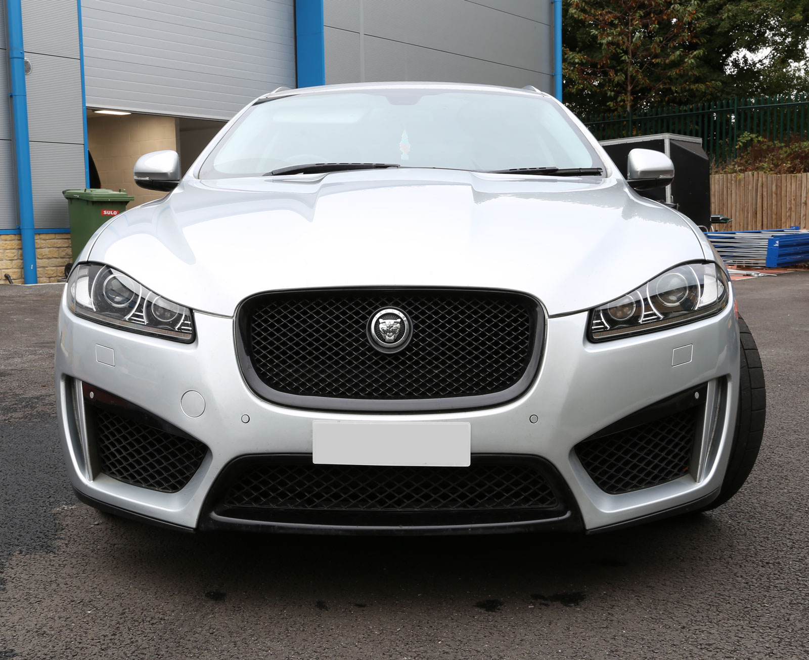 front bumper xfr s style bodykit for jaguar xf 2011. Black Bedroom Furniture Sets. Home Design Ideas