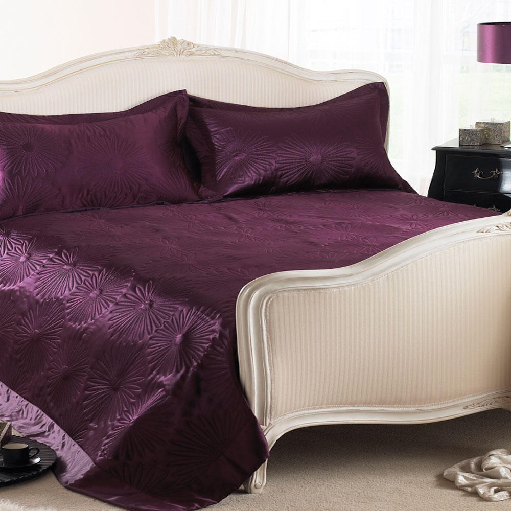 Aubergine Daisy Embossed Satin Bed Throw Blanket Bed Spread Double - King Size New