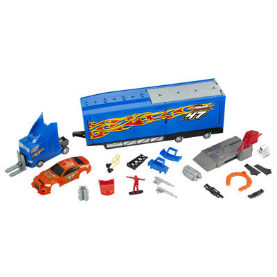 Hot Wheels Ultimate Repair Rig Truck Play Set With Over 30 Interchangable Parts