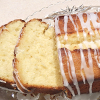 All In One Recipe For The Yummiest Lemon Drizzle Cake