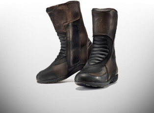 BLACK MOTORCYCLE BOOTS & BLACK MOTOCROSS BOOTS - Highly rated Motorbike & Off Raod Boots, exclusive to GhostBikes, designed & developed by UK bikers.