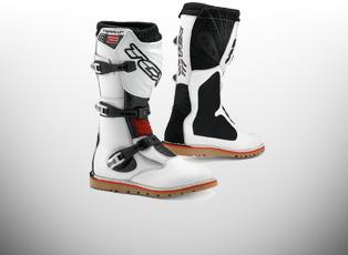 Trails Boots