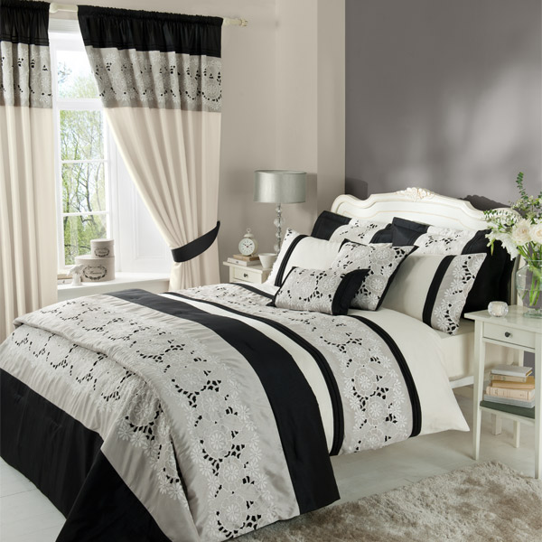 Catherine-Lansfield-Isadora-Lace-Overlay-Duvet-Cover-Set-Black