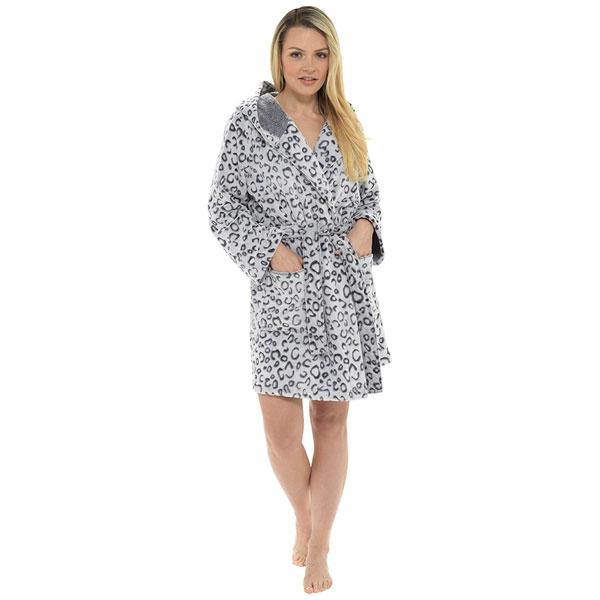 Foxbury-Women-039-s-Snow-Leopard-Print-Fleece-Hooded-Bath-Robe thumbnail 2