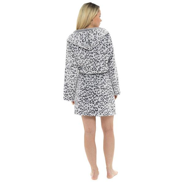 Foxbury-Women-039-s-Snow-Leopard-Print-Fleece-Hooded-Bath-Robe thumbnail 3