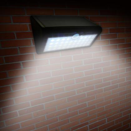 iGadgitz U4686 - 38 LED 600 Lumens Solar PIR Motion Sensor Lights Solar Energy Powered Waterproof Security Light Thumbnail 3