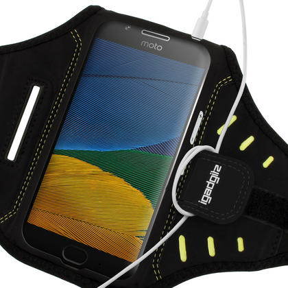 iGadgitz Black Water Resistant Lightweight Neoprene Sports Jogging Gym Armband for Motorola Moto 5th Generation (2017) Thumbnail 4