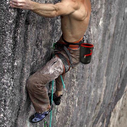 CampTeck Drawstring Chalk Bag for Rock Climbing, Bouldering, Gymnastics, Weightlifting & much more ? Black Thumbnail 4