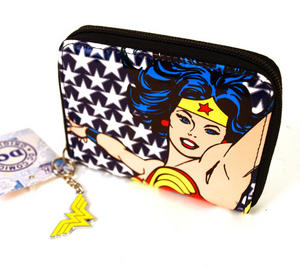 Wonder Woman Deluxe Wallet Thumbnail 3