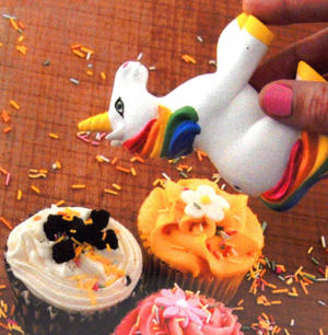 Sprinkles Shaker - My Little Unicorn Thumbnail 3