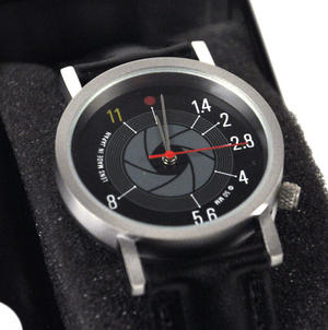 F Stop Watch - Retro Slr Camera Wristwatch Thumbnail 2