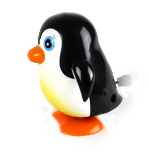 Clockwork Racing Wind Up Penguin Thumbnail 2