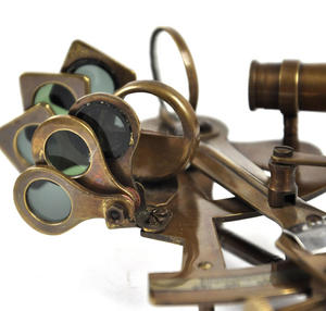 Antiqued Sextant with Wooden Presentation Box Thumbnail 3